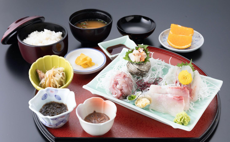 熱海温泉湯の宿平鶴 料理